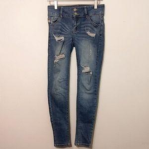 KanCan | Medium Wash Distressed Skinny Jeans - 26